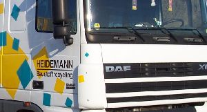 There´s nothing we can´t do: You can find  the right machine  for any job in our vehicle fleet,  4x4s of course, too.